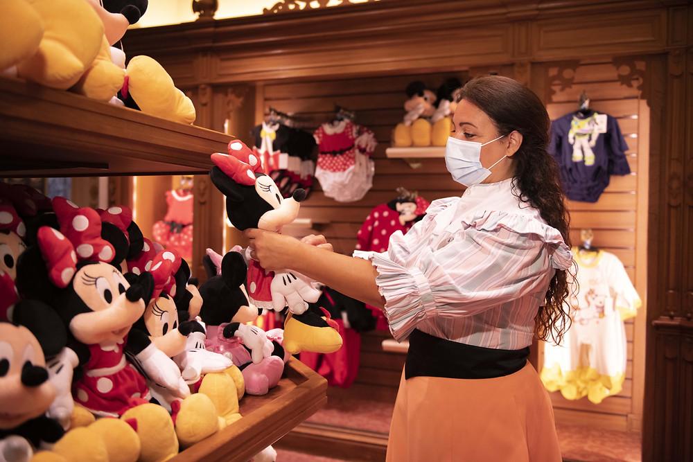 Entrevista exclusiva del Embajador a la Presidenta  sobre el futuro y presente de Disneyland Paris