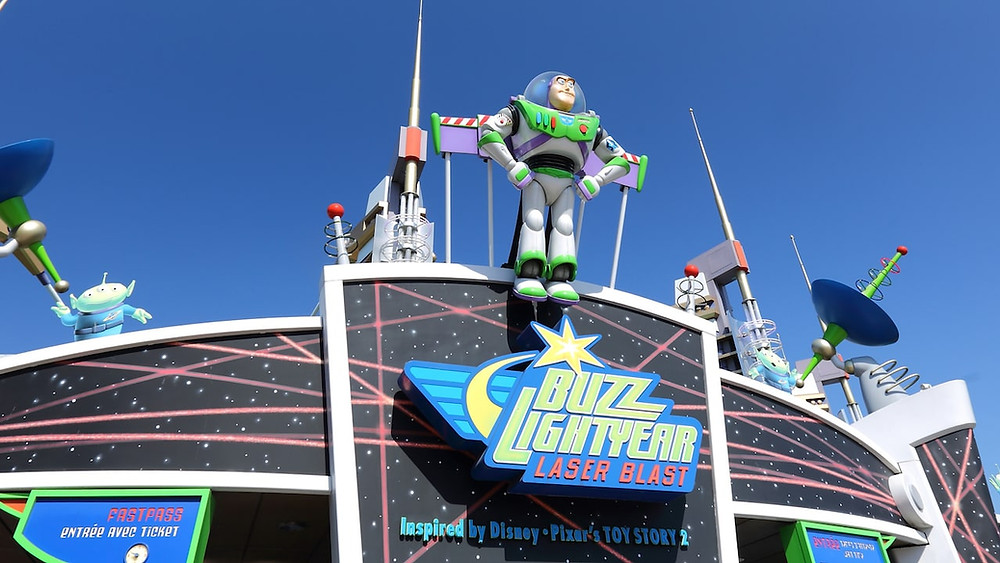 Buzz Lightyear Laser Blast atracciones Disneyland Paris