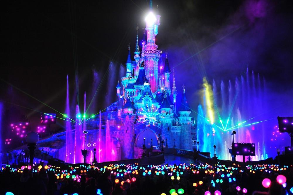 Disney Dreams espectáculo Castillo de la Bella Durmiente Disneyland Paris noche show luces
