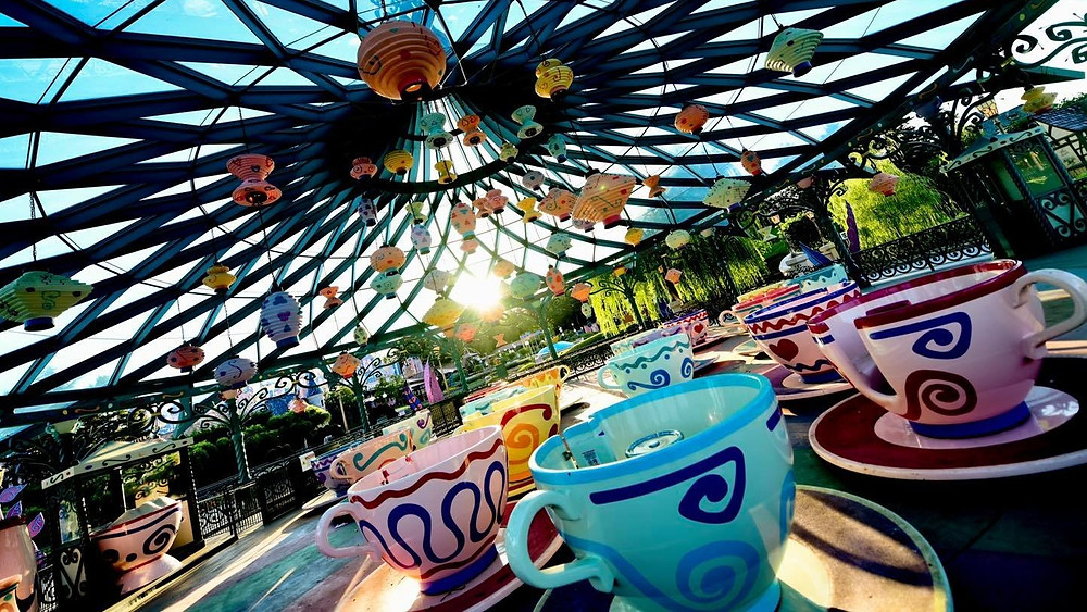 Mad Hatter's Tea Cups Disneyland Paris