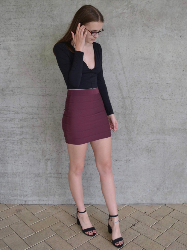 PLUM BANDAGE SKIRT