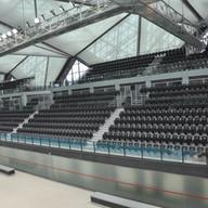 Sorte tribunestoler innendørs anlegg