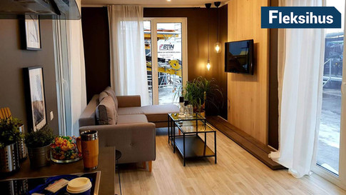 stue og kjøkken i minihus