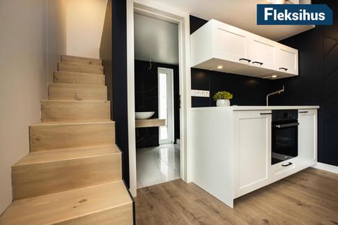 Minihus 40m2 kjøkken trapp til hems og bad