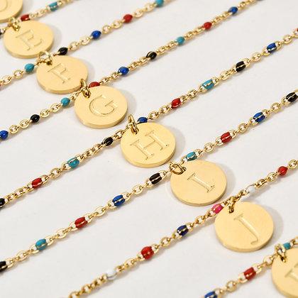 Bracelet coloré avec les 26 lettres de l'alphabet au choix