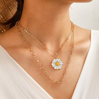 Collier femme ornement bohème de fleur blanche