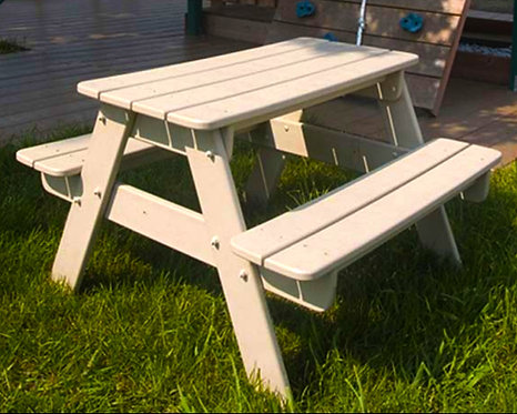 Composite Polywood Kid's Picnic Table