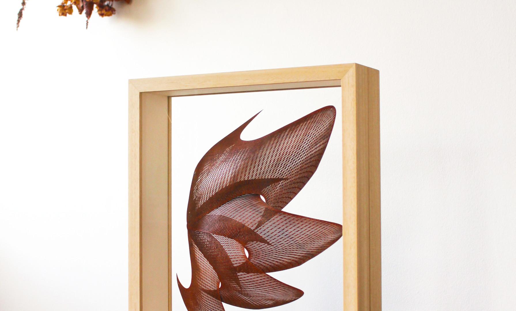 Double-sided glass frame  w)35cm x h)42cm x d)9cm