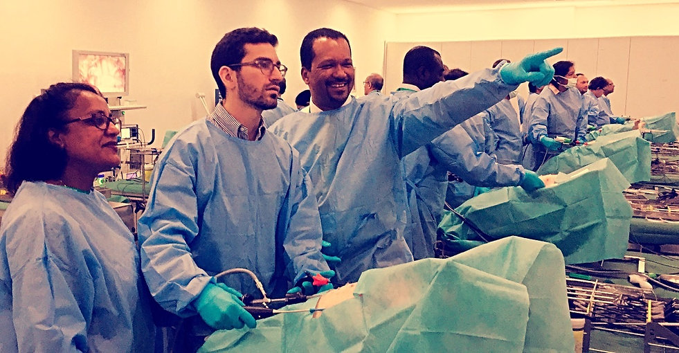 Wet lab laparoscopic suturng course