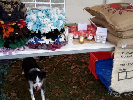 Der Hundeweihnachtsmarkt - auch für den guten Zweck