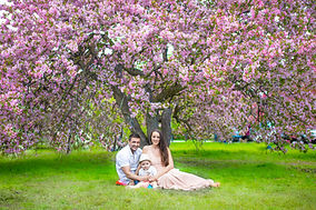 Family photography at arboretum