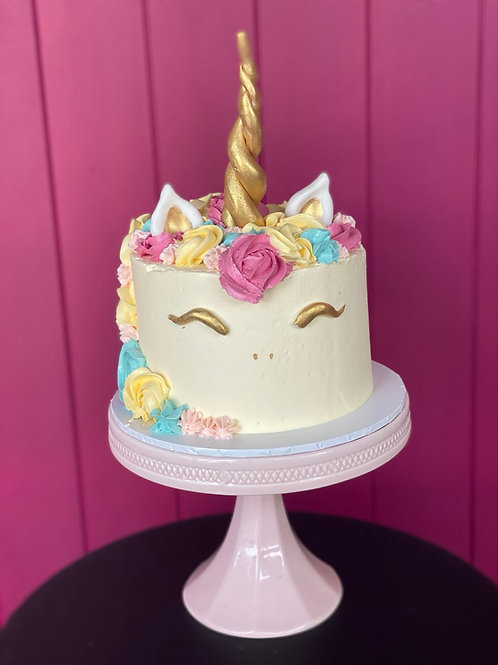 Mini unicorn cake