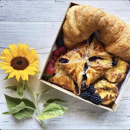 Mixed pastry box