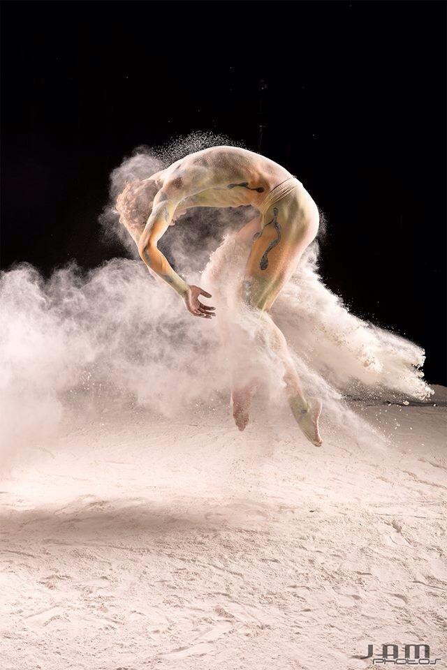 flour bodypaint ballet dancer