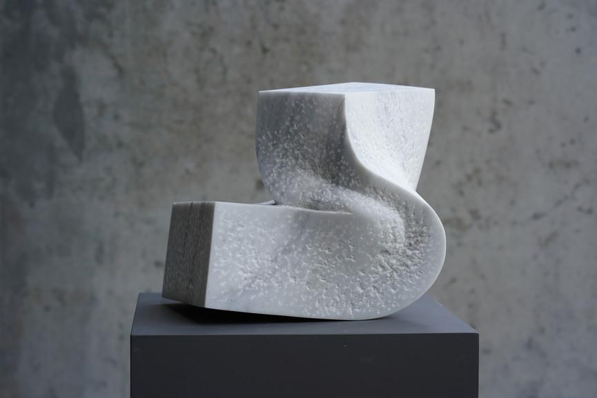 Vigueur II, Marmor Lasa, Höhe ca. 30 cm