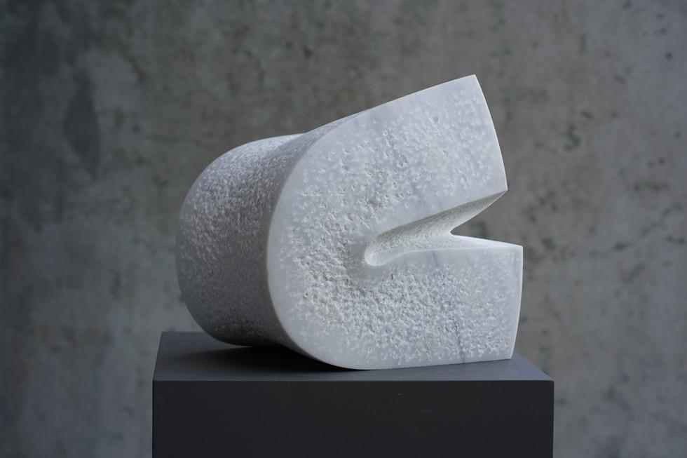 Vigueur I, Marmor Lasa, Höhe ca. 30 cm