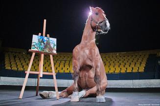 Росгосцирк отмечает День лошади