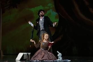 «Алисавстранечудес» - премьера  вГубернском театре