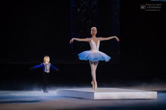 Премьера шоу «Лебединое озеро» Яны Рудковской и Евгения Плющенко прошла в Москве