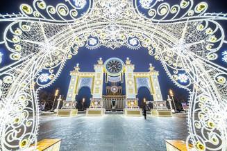 Рождественская сказка на ВДНХ: подборка волшебных кадров зимней Выставки