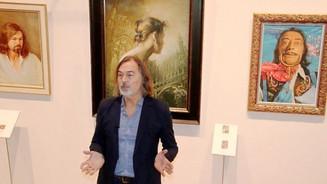 Мультимедийная выставка Никаса Сафронова «Иные миры» проходит в Москве