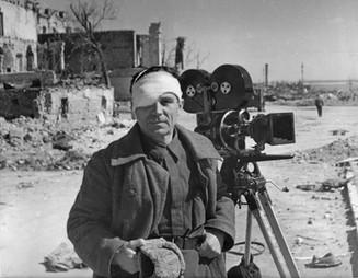 «Плачьте, но снимайте»: документальная история о фронтовых операторах в первые дни войны