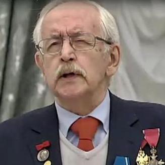 Василий Ливанов и Александр Масляков получили госнаграды в Кремле