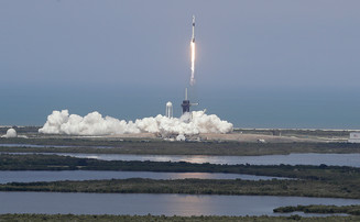 SpaceX провела первый в истории частный пилотируемый запуск в космос