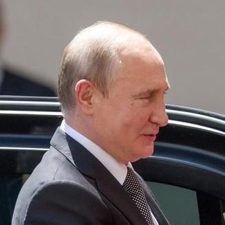 Владимир Путин поручил рассмотреть порядок обмена и возврата билетов на отмененные мероприятия