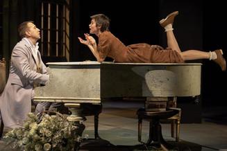 Свободолюбивая «Дикарка» в Театре Маяковского: «Гроза весенняя! Жемчужные брызги! И дождь…»