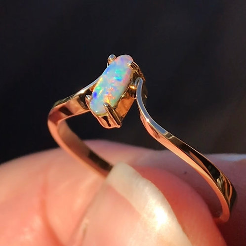 Petite 9ct gold opal ring