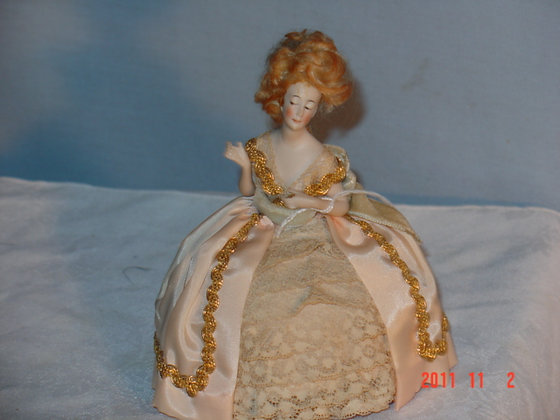 Half Doll with wig,on cushion,1930's VG antique