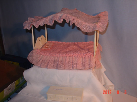 Barbie 4 Poster Bed, 1960's. orig. collectible