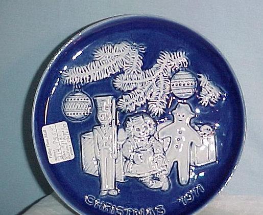 Royal Rockwood Christmas Plate, collectible