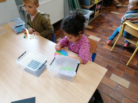 Découverte des boîtes Montessori