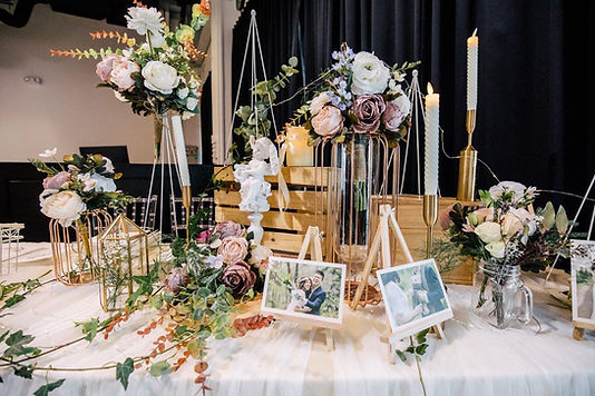 Rustic Chic Reception decor.jpg
