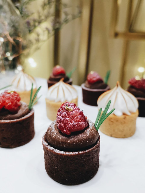 [PREMIUM] Raspberry Chocolate Tartlets with 24k Gold Flake (Bundle of 24)