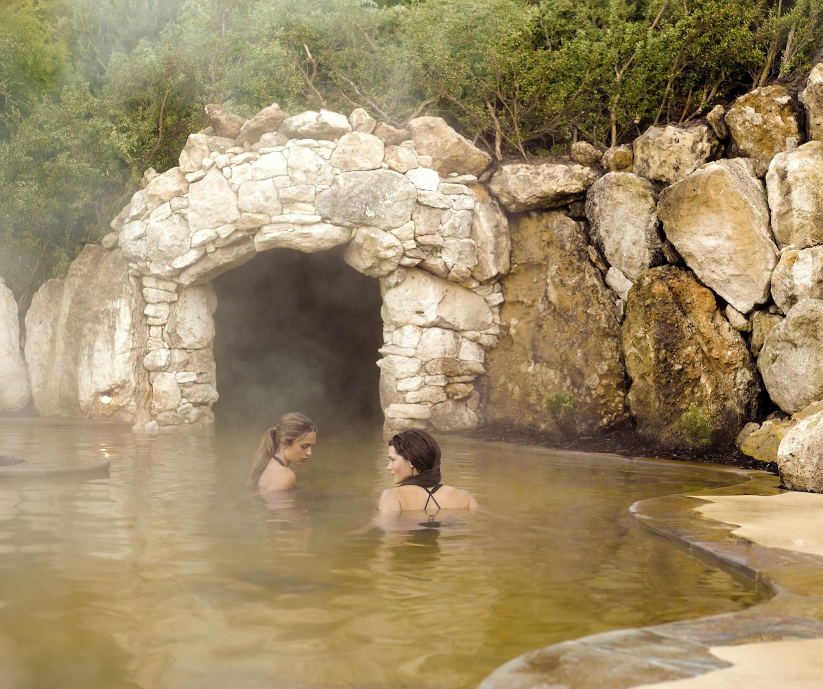 peninsula hot springs tour