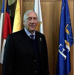 Miembro Emérito: Jorge D. Etchevers Barra
