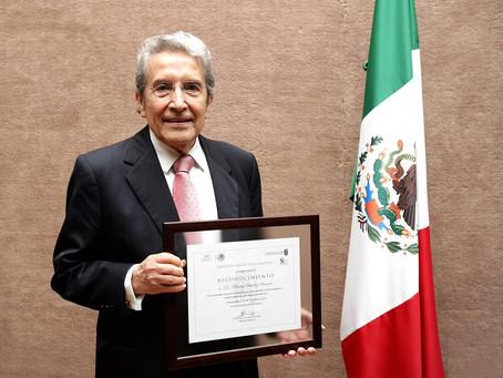 Miembro Emérito: Feliciano Sánchez Sinencio