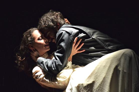 Margaux Villain Amirat (Dinah) et Bilal Dufrou (Elias)  © Mathilde Feracci