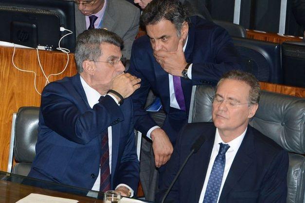 Senadores livraram Aécio do processo de cassação