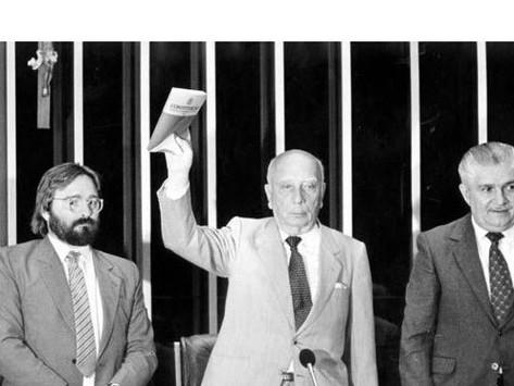 Ódio e nojo à ditadura - Artigo de Waldeck Carneiro