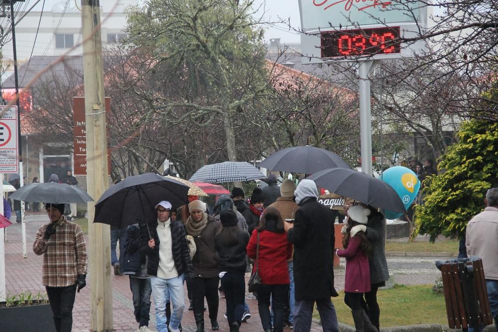 Em São Joaquim, termômetro de rua registra 3 graus (foto: James Tavares/Secom)