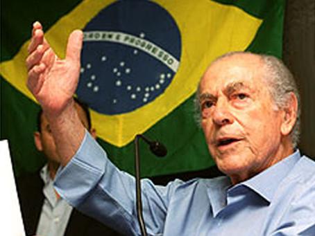 """""""Tempos de luta"""": homenagem aos 99 anos de Brizola"""