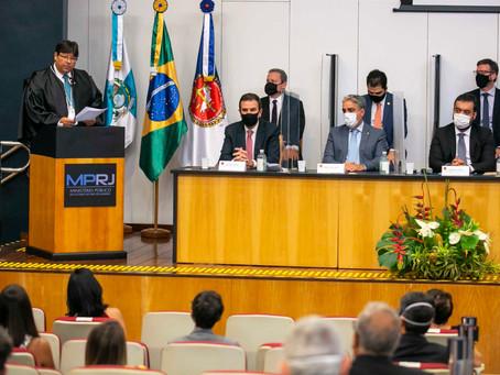 Luciano Mattos toma posse como novo procurador-geral de Justiça