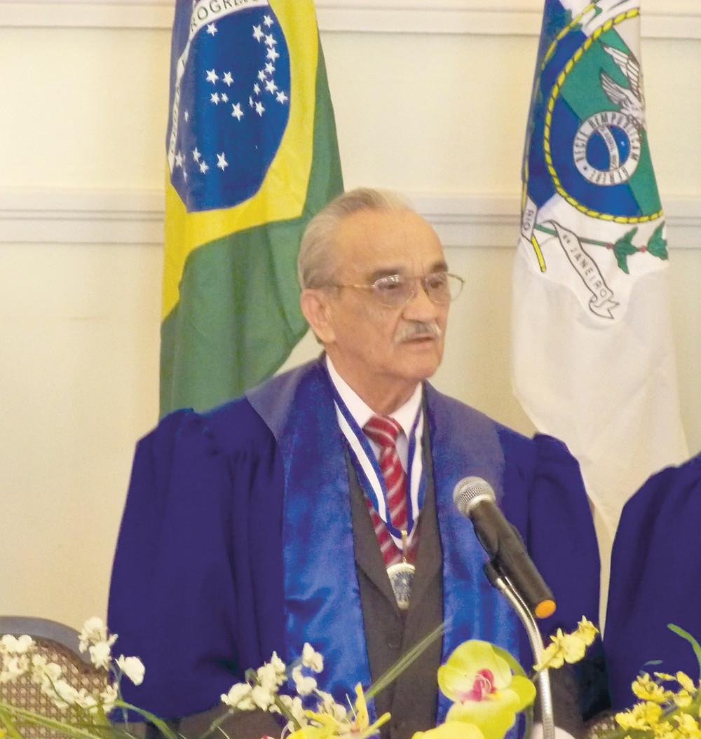 Waldenir de Bragança, presidente da Academia Fluminense de Letras