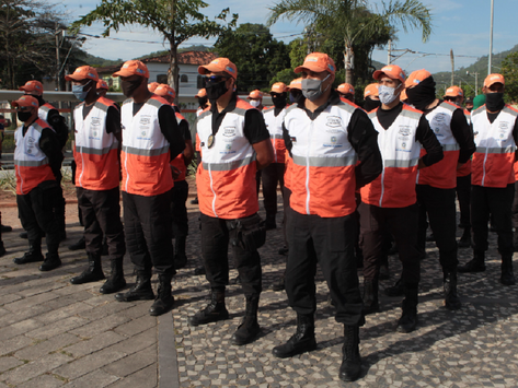 Segurança de Niterói vira joguete político de Castro