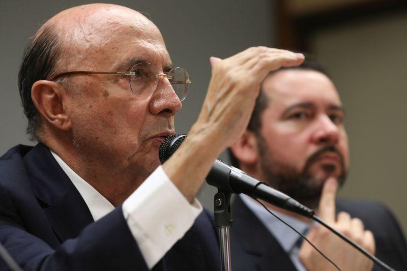 Meirelles admite usar FGTS no lugar do seguro-desemprego