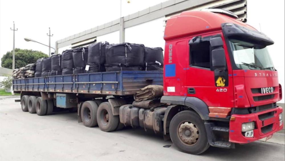 Toneladas de carvão ativado chegam à ETA Guandu